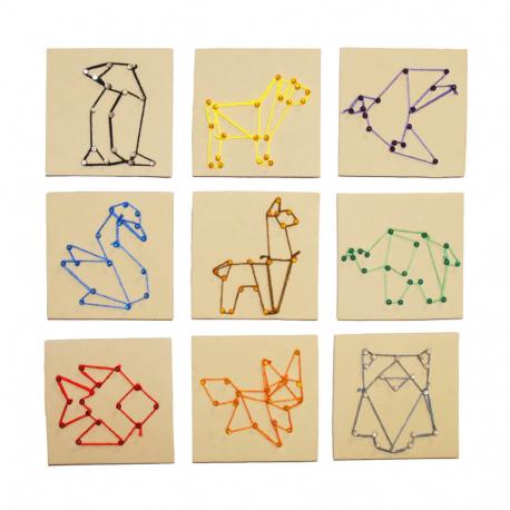 Kit Artistique 10 planches en Mousse EVA + 300 Epingles Plastique + 10 Fils Colorés + Feuilles à Epingler - 10x10cm